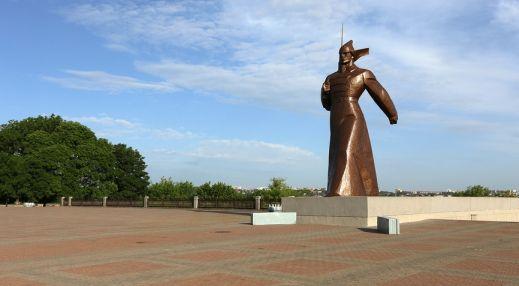Эконом памятник Плечики Аксай Мемориальный комплекс с барельефом в человеческий рост Угрешская