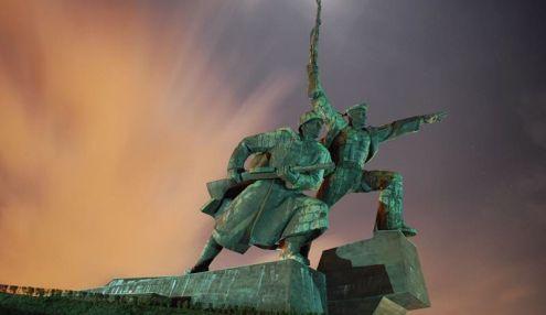 Монумент Солдат и Матрос