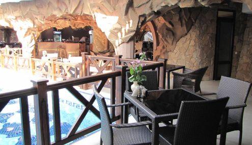 6d19f1e5a Ресторан Камелот в Алушта по адресу Дижа, 18